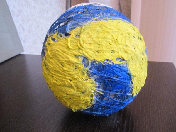 Поделка глобус из ниток 40